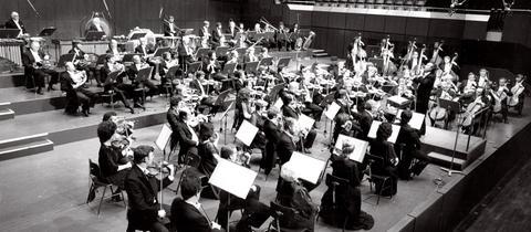 Eliahu Inbal + Orchester im Sendesaal