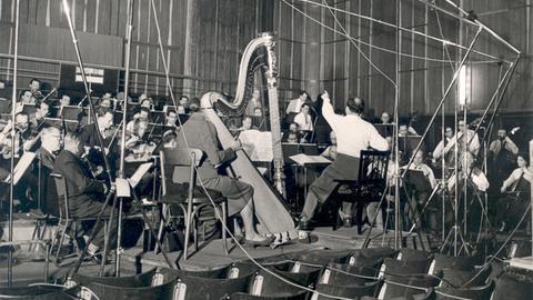 Kurt Schröderbei einer Orchesterprobe