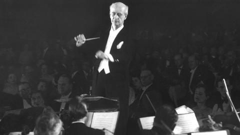 Wilhelm Furtwängler dirigiert